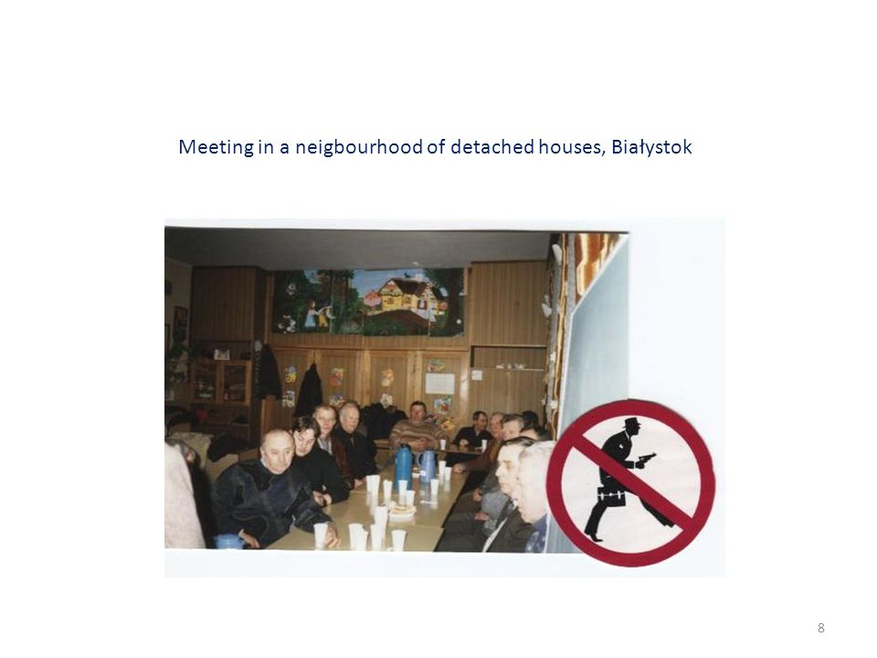 Meeting in a neigbourhood of detached houses, Białystok 8