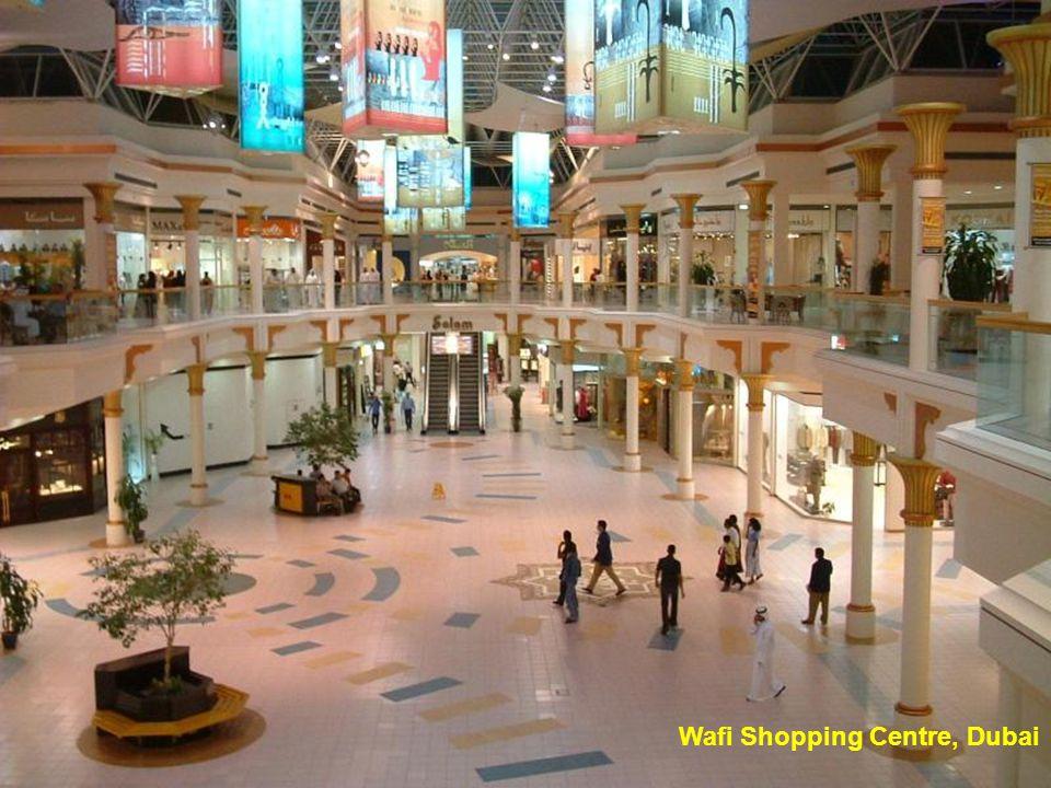 Dubai, Wild Wadi Water Park, Beach and Jumeirah Hotel