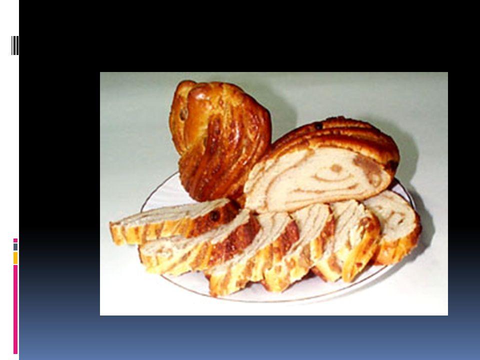 Romanian Walnut Panetone * Cozonaci cu nuca Romanian Panetone dough: 2 lbs/1 kg flour, 10 oz/300 g sugar, 1 1/2 cups milk, 6 eggs, 2 oz/50 g yeast, 7