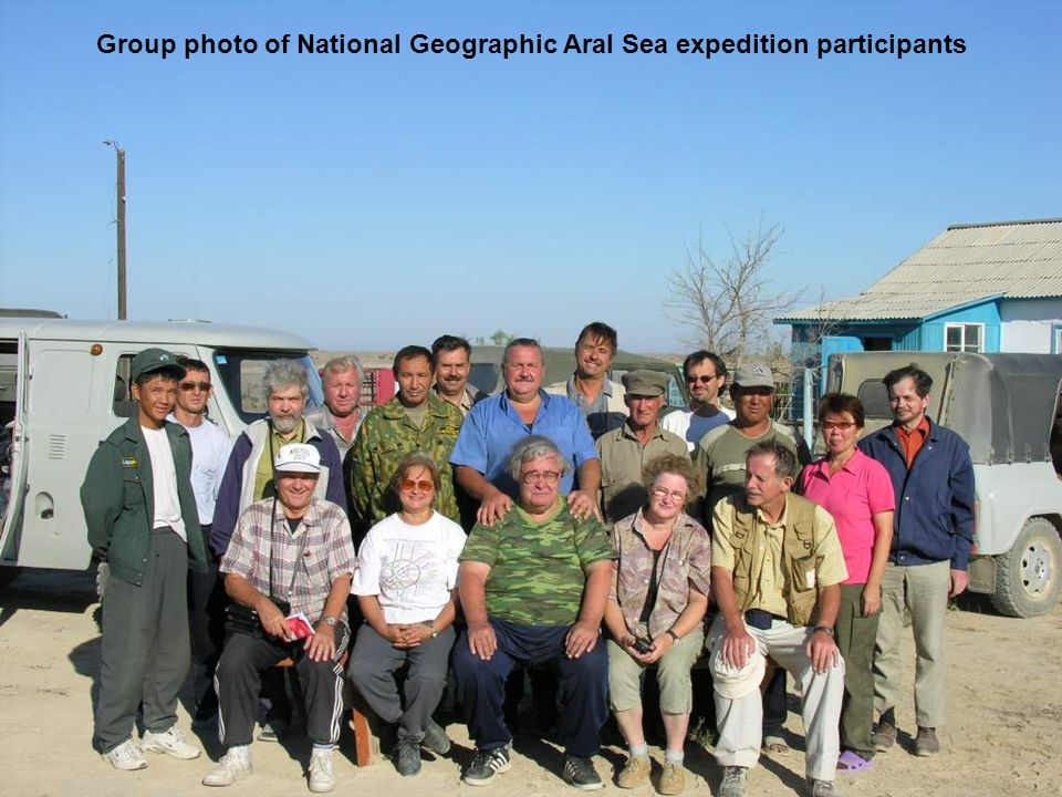 Group photo of National Geographic Aral Sea expedition participants