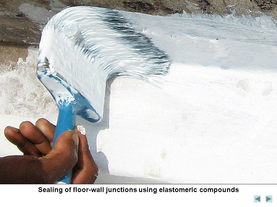 Sealing of floor-wall junctions using elastomeric compounds