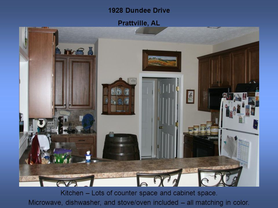 1928 Dundee Drive Prattville, AL Kitchen – Lots of counter space and cabinet space. Microwave, dishwasher, and stove/oven included – all matching in c