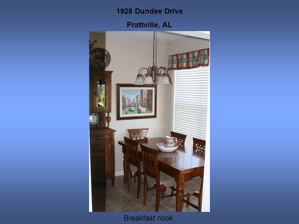 1928 Dundee Drive Prattville, AL Breakfast nook.