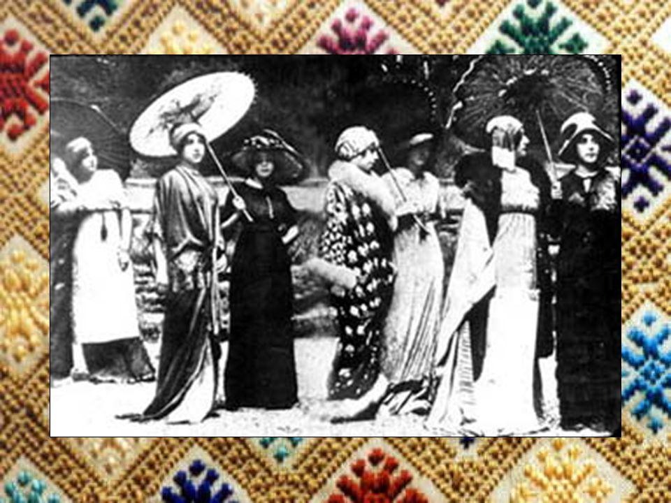 1911-1920 Men Simplier form of dress more popular