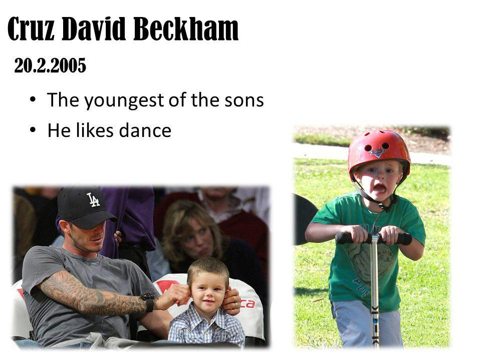 The first daughter Harper Seven = she was born after 7 pm in the 7th month of the year Harper Seven Beckham 10.7.2011