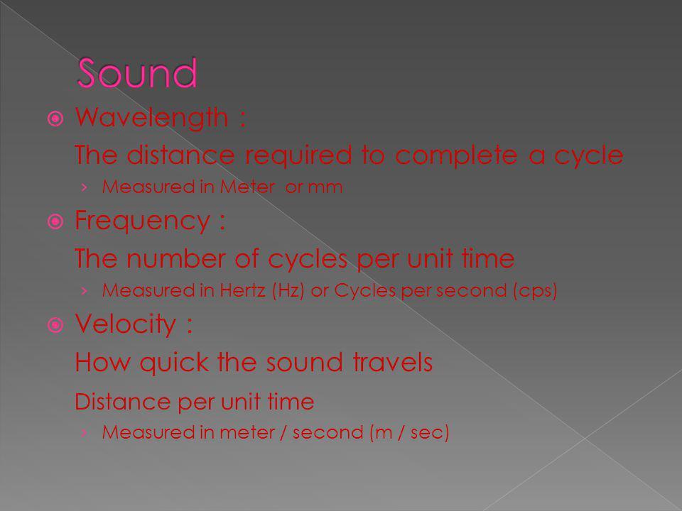 در حالت كلي هر چه محيط مادي فشردهتر باشد، سرعت حركت موج صوتي در آن بيشتر است. بنابراين سرعت حركت امواج صوتي در جامدات بيشتر از سيالات ميباشد.