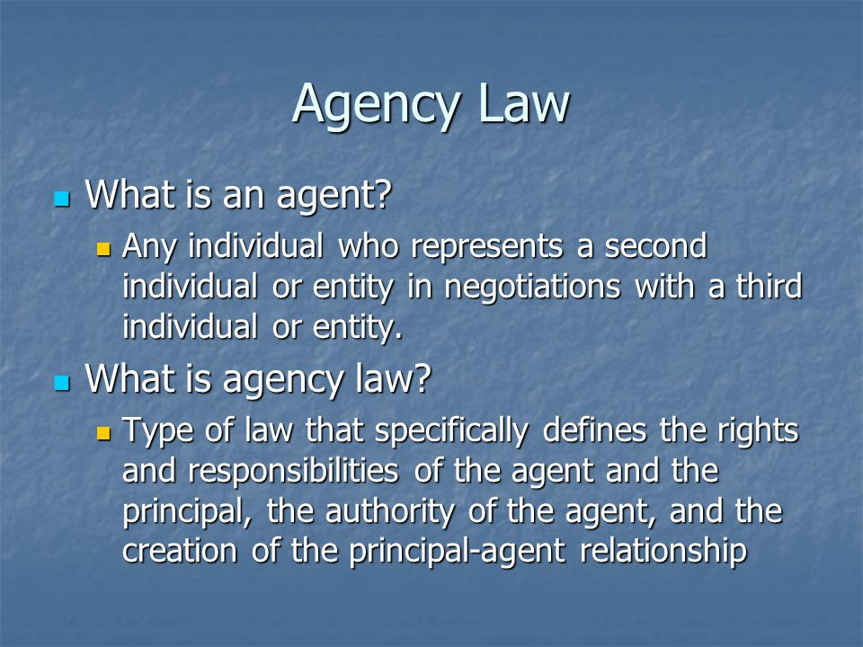 History of Sports Agents First well-known occurrence of player hiring an agent to negotiate contract was Red Grange in 1925 First well-known occurrence of player hiring an agent to negotiate contract was Red Grange in 1925 Agents didnt begin growing until Attorney Mark McCormack began representing Arnold Palmer in the 1960s Agents didnt begin growing until Attorney Mark McCormack began representing Arnold Palmer in the 1960s In the early 1960s, Jim Ringo tried to use an agent to renegotiate his contract with Vince Lombardi…it didnt work In the early 1960s, Jim Ringo tried to use an agent to renegotiate his contract with Vince Lombardi…it didnt work