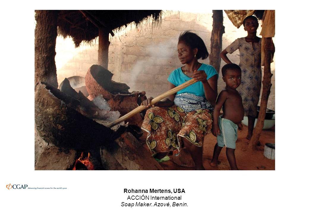 Rohanna Mertens, USA ACCIÓN International Soap Maker. Azové, Benin.