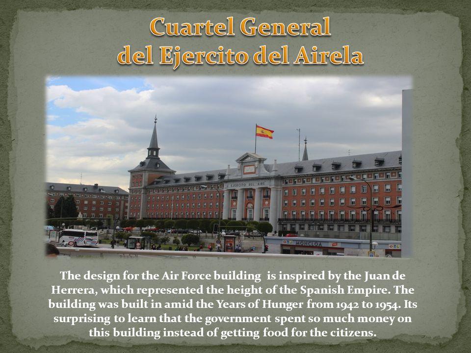 This building is known as La casa de las flores .