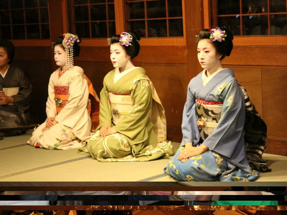 Banquet Dinner in Gion Garden Oriental Kyoto Went By Bus Program Socializing and Dinner and of Drinking Banquet Talk Geisha (Maiko) Performance Japane