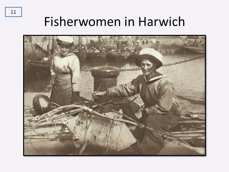 Fisherwomen in Harwich 11