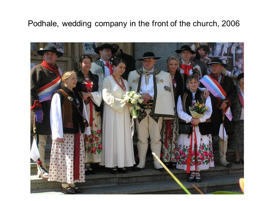Podhale, wedding company in the front of the church, 2006