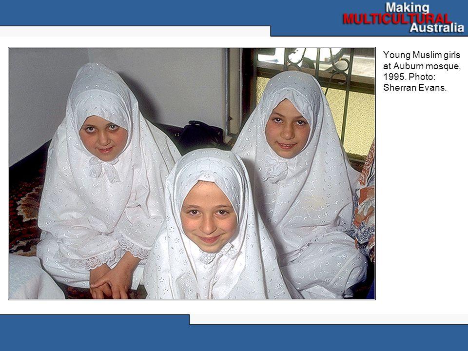 Young Muslim girls at Auburn mosque, 1995. Photo: Sherran Evans.