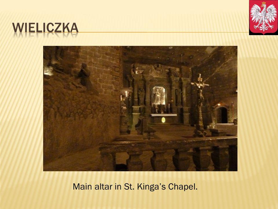Main altar in St. Kingas Chapel.