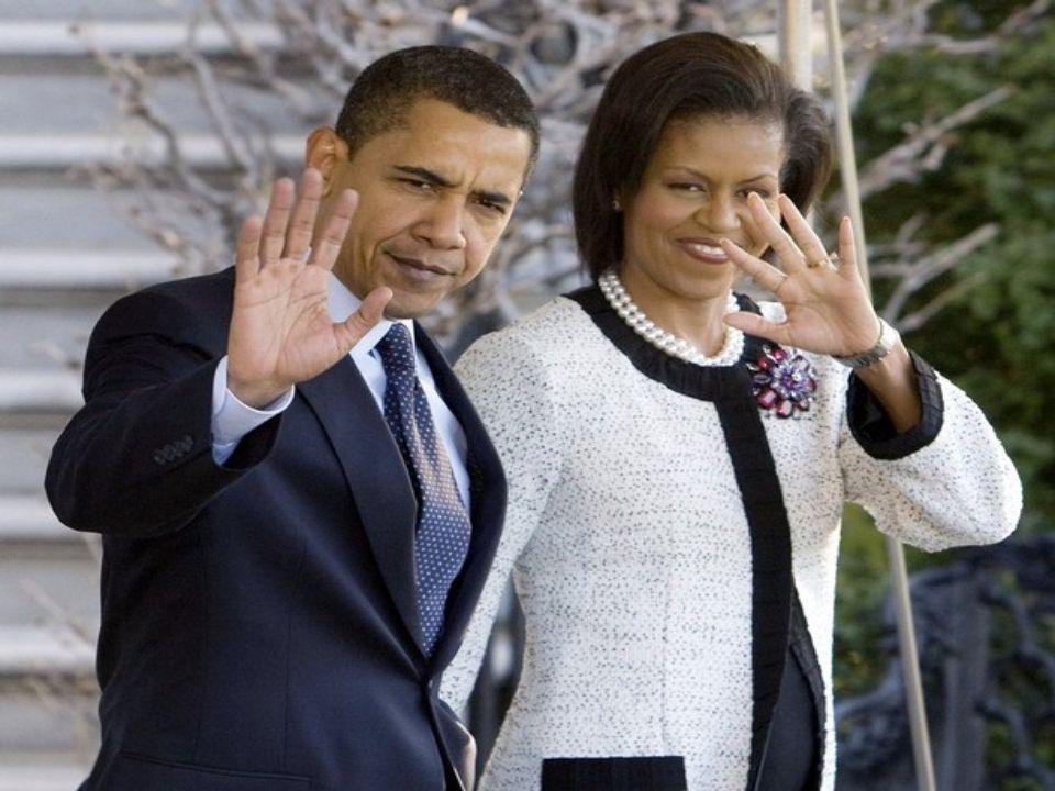 President Obama hugged his half- sister, Maya Soetoro-Ng, at her December 2003 wedding to Konrad Ng, third from right, in Hawaii.