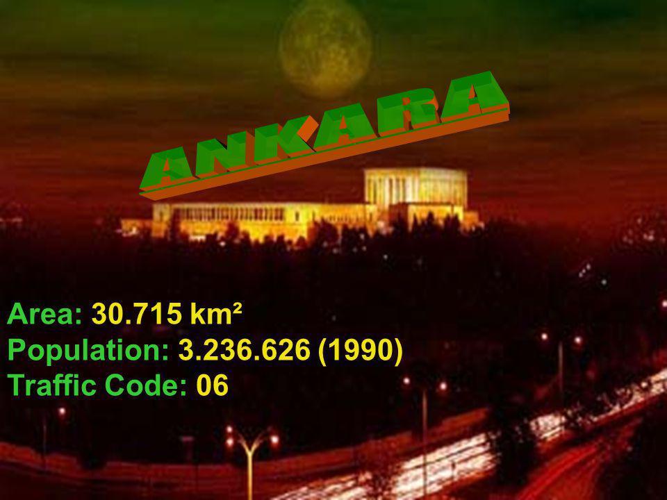 Area: 30.715 km² Population: 3.236.626 (1990) Traffic Code: 06