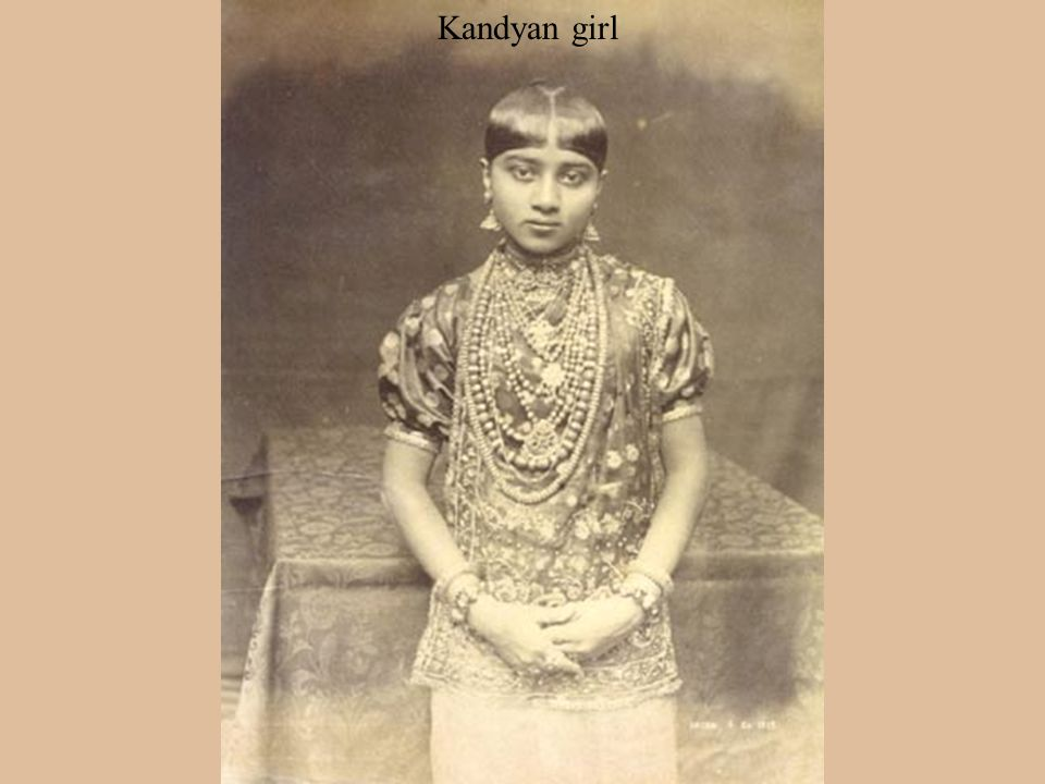 Pictures of a Kandyan lady
