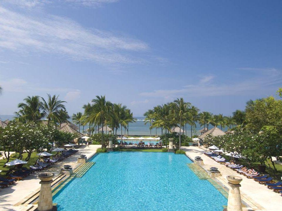 33-metre swimming pool & lagoons