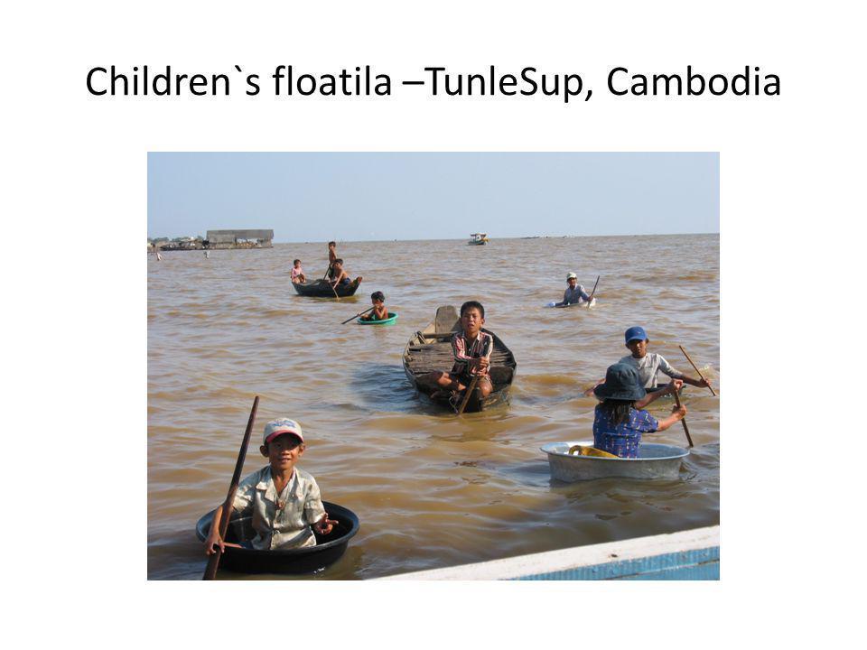 Children`s floatila –TunleSup, Cambodia
