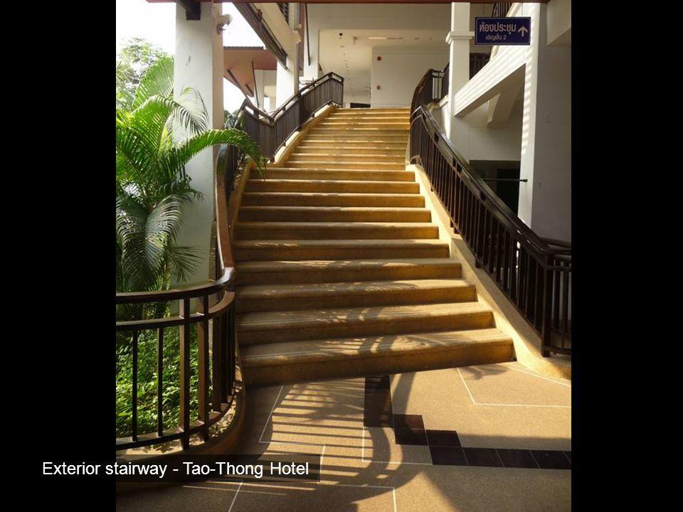 Exterior stairway - Tao-Thong Hotel