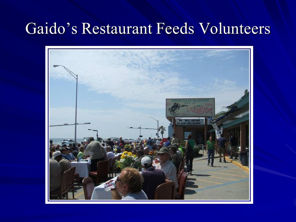 Gaidos Restaurant Feeds Volunteers