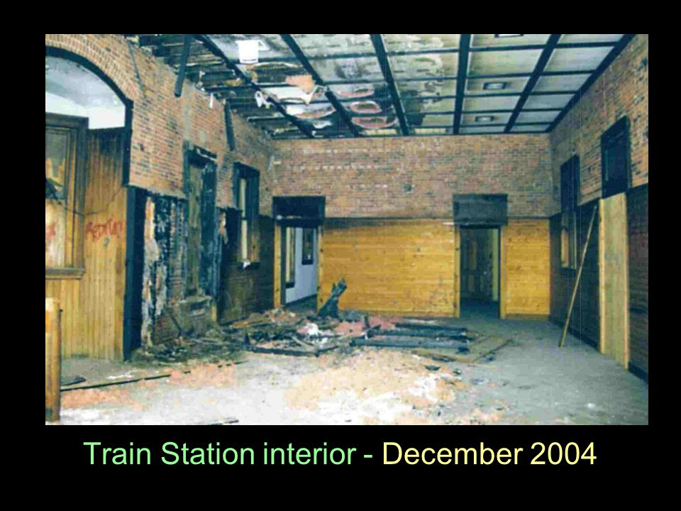 Train Station interior - December 2004