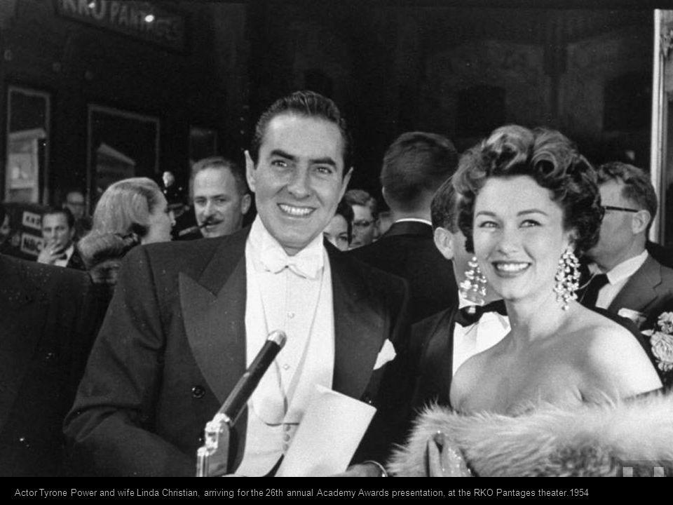 Actor Kirk Douglas arriving for the Academy Awards ceremonies.1954