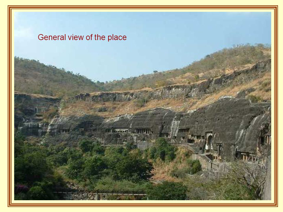 Little more than two hours from the old city of Aurangabad are the famous Caves of Ajanta, Thirty-two grottos that are not natural but had been cut in hills for thousands of years by workers who had only used cinzéis and hammers.