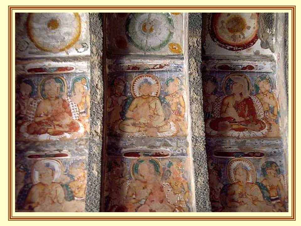 The walls and ceilings had been wonderfully decorated and had created colorful paintings with plaster applications.