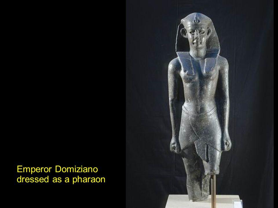 Emperor Domiziano dressed as a pharaon