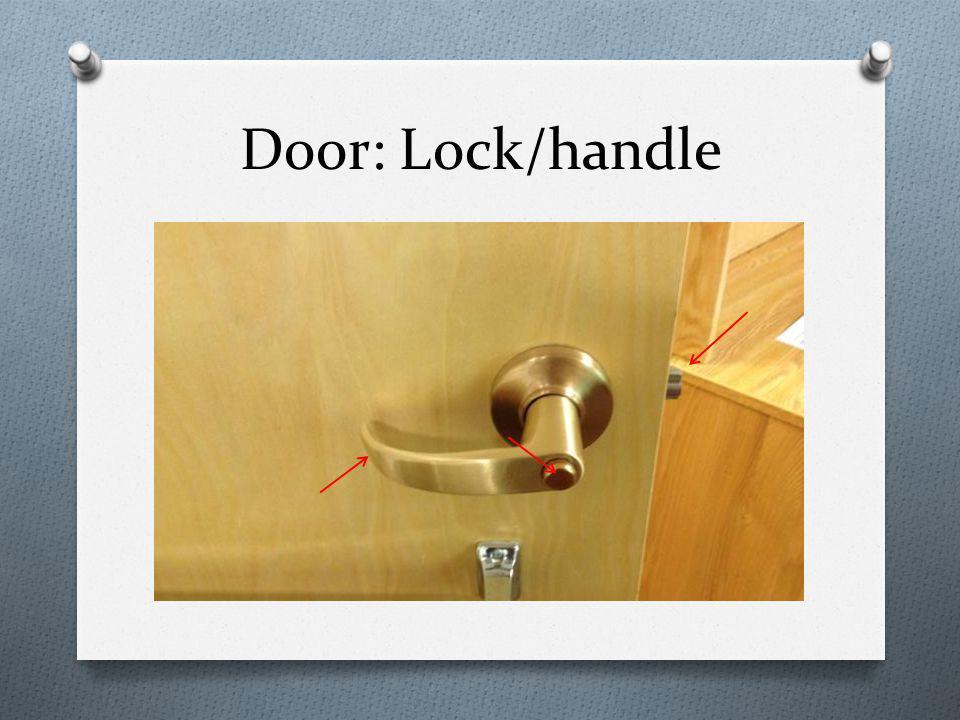 Door: Lock/handle