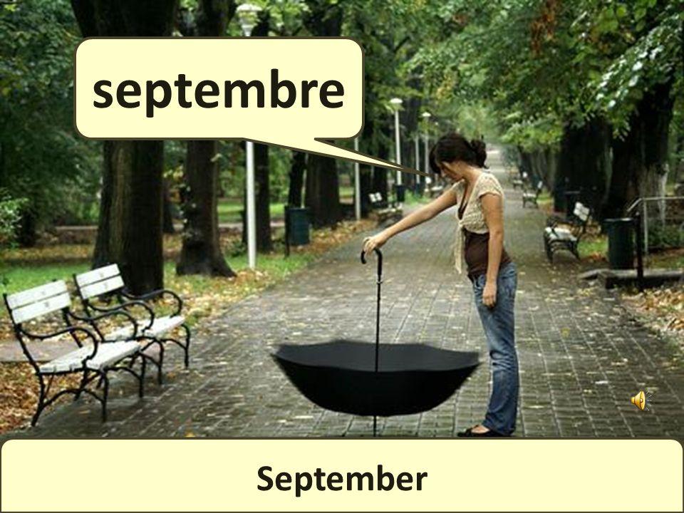August août