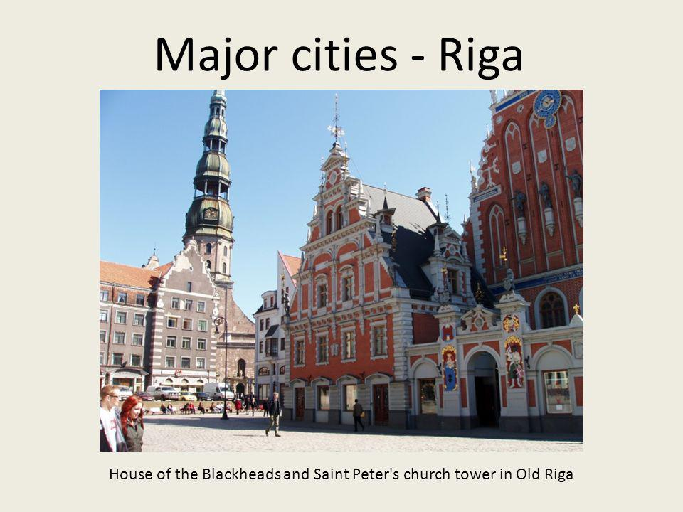House of the Blackheads and Saint Peter s church tower in Old Riga