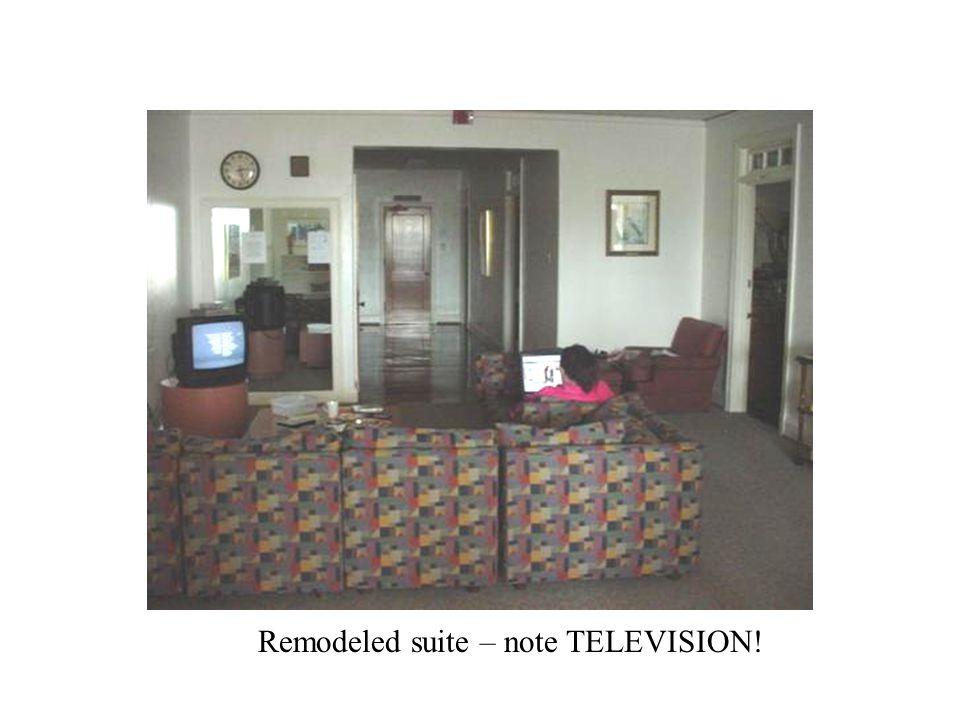 Ute room with refrigerator Ute room
