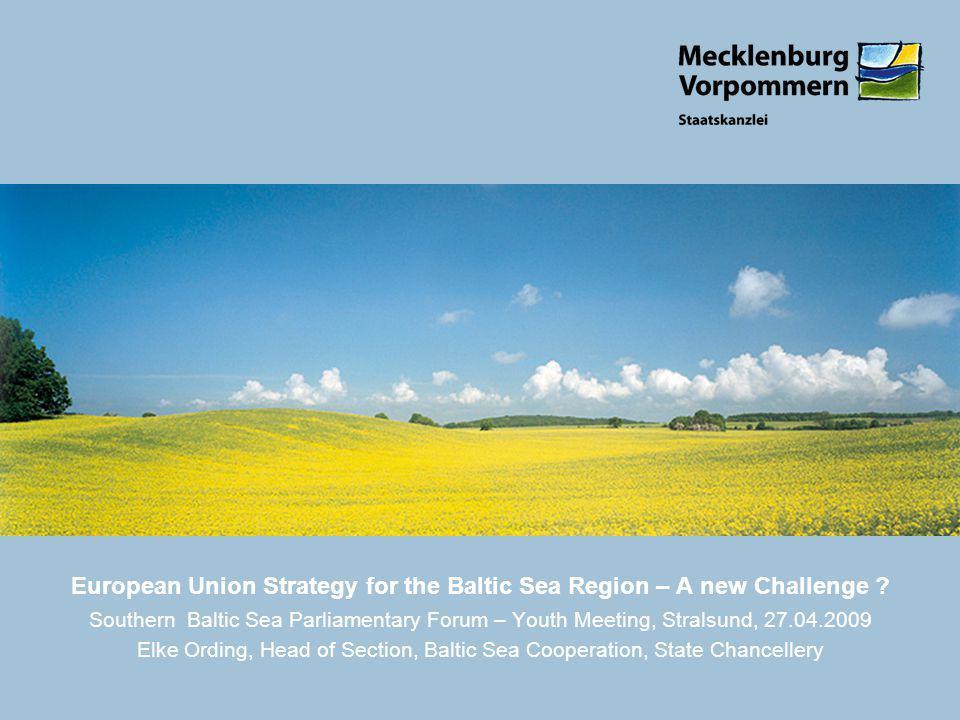 12 E. Challenges ? Integrated aproach Macroregion Modelregion Russia Global crises