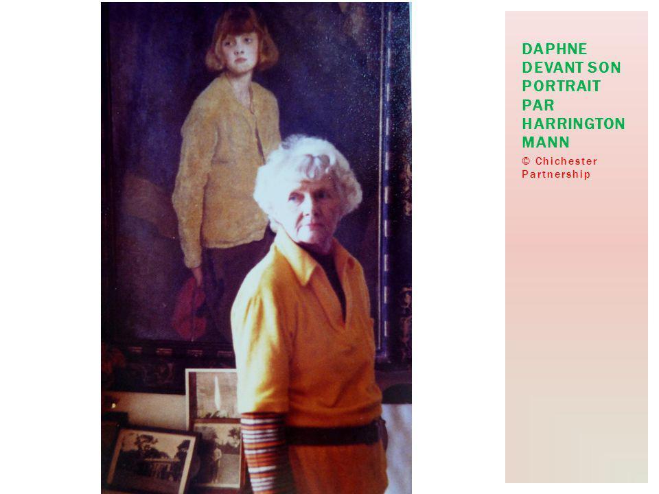 © Chichester Partnership DAPHNE DEVANT SON PORTRAIT PAR HARRINGTON MANN