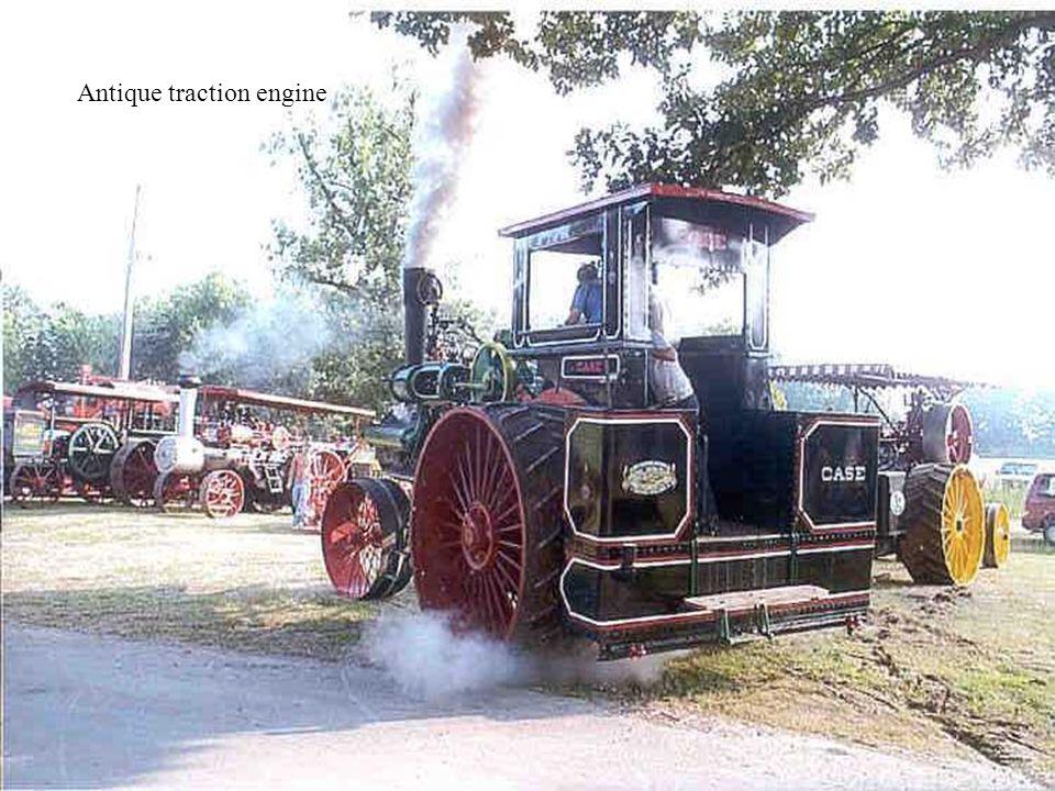 Antique traction engine