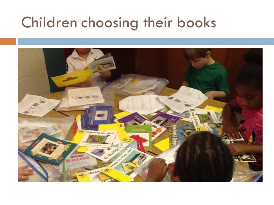 Children choosing their books