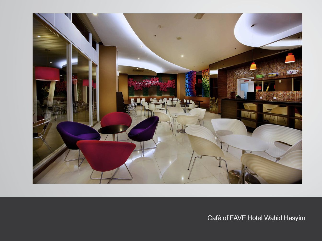 Café of FAVE Hotel Wahid Hasyim