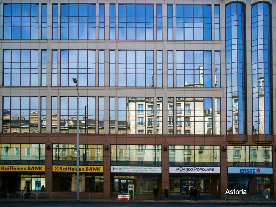 2011.03.06.Budapest street photos41 Astoria