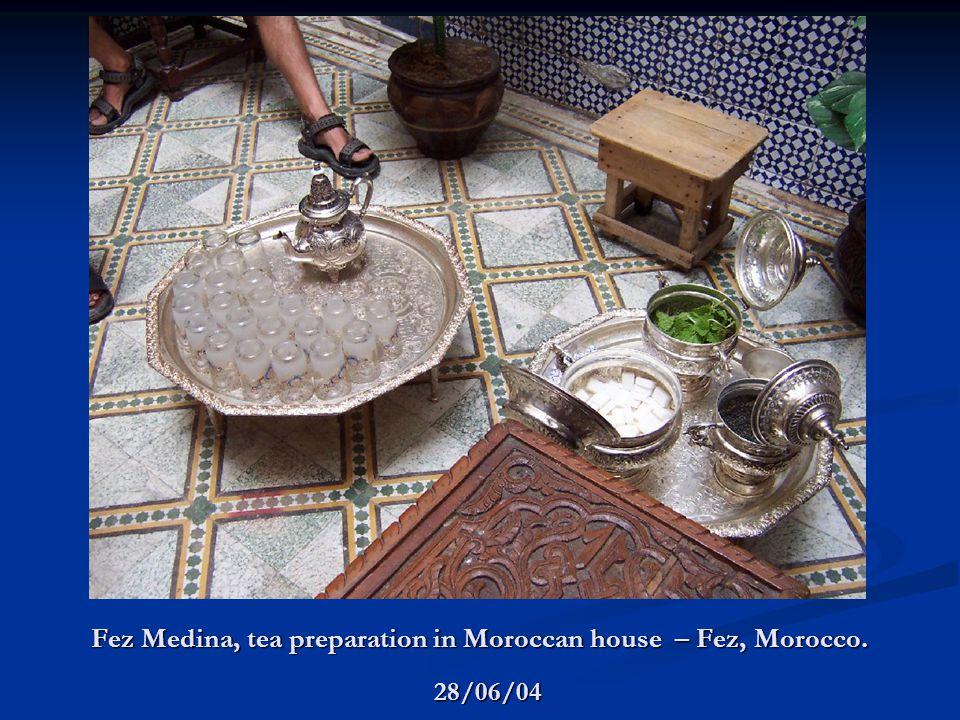Fez Medina, tea preparation in Moroccan house – Fez, Morocco. 28/06/04