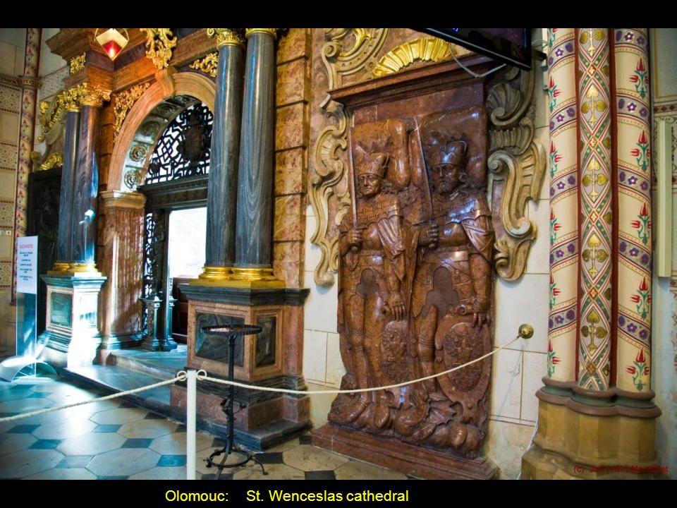 Olomouc: The Romanesque Bishops Palace (Přemyslid Palace)