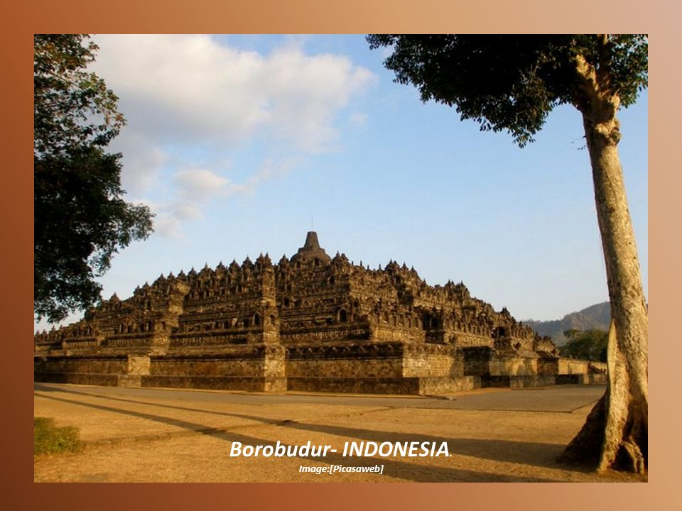 Borobudur- INDONESIA. Image:[Picasaweb]
