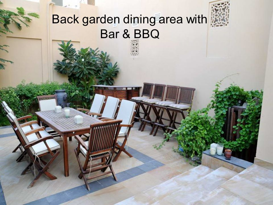 Back garden dining area with Bar & BBQ
