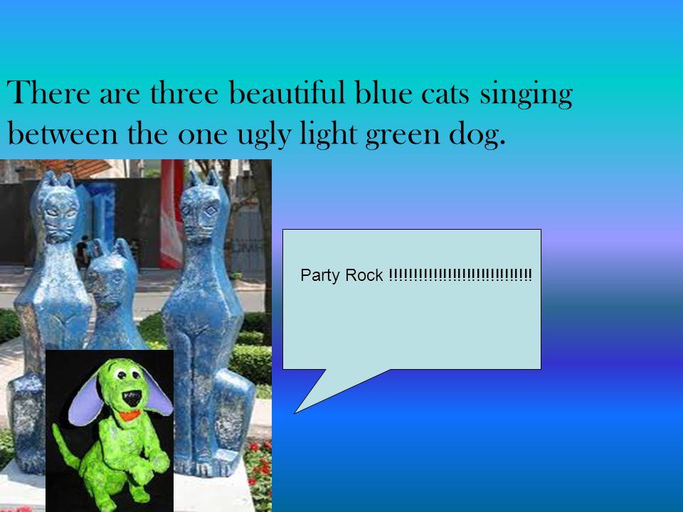 There are three beautiful blue cats singing between the one ugly light green dog.