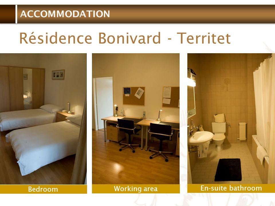 ACCOMMODATION Résidence Bonivard - Territet Bedroom Working area En-suite bathroom