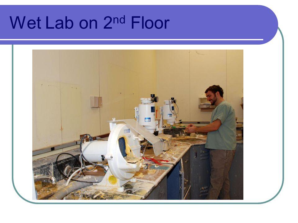 Wet Lab on 2 nd Floor