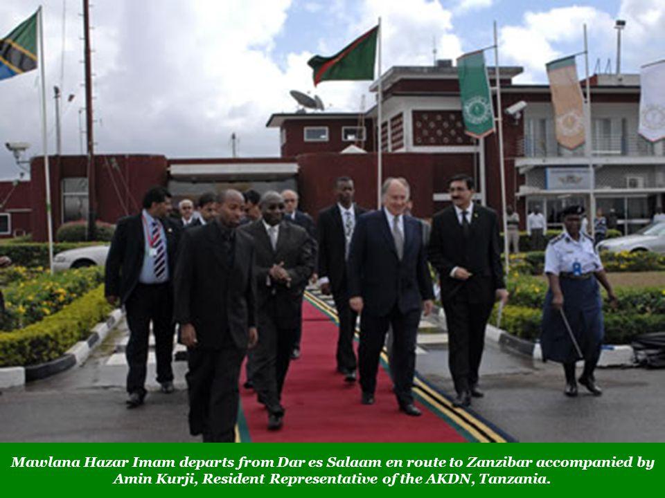 Mawlana Hazar Imam departs from Dar es Salaam en route to Zanzibar accompanied by Amin Kurji, Resident Representative of the AKDN, Tanzania.