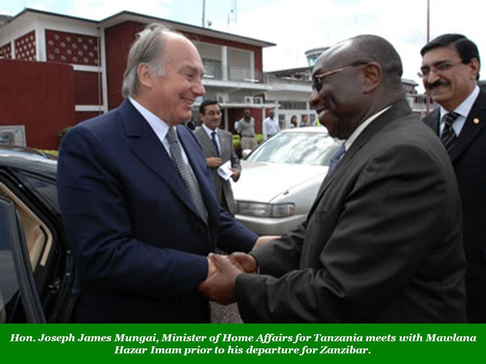 Hon. Joseph James Mungai, Minister of Home Affairs for Tanzania meets with Mawlana Hazar Imam prior to his departure for Zanzibar.