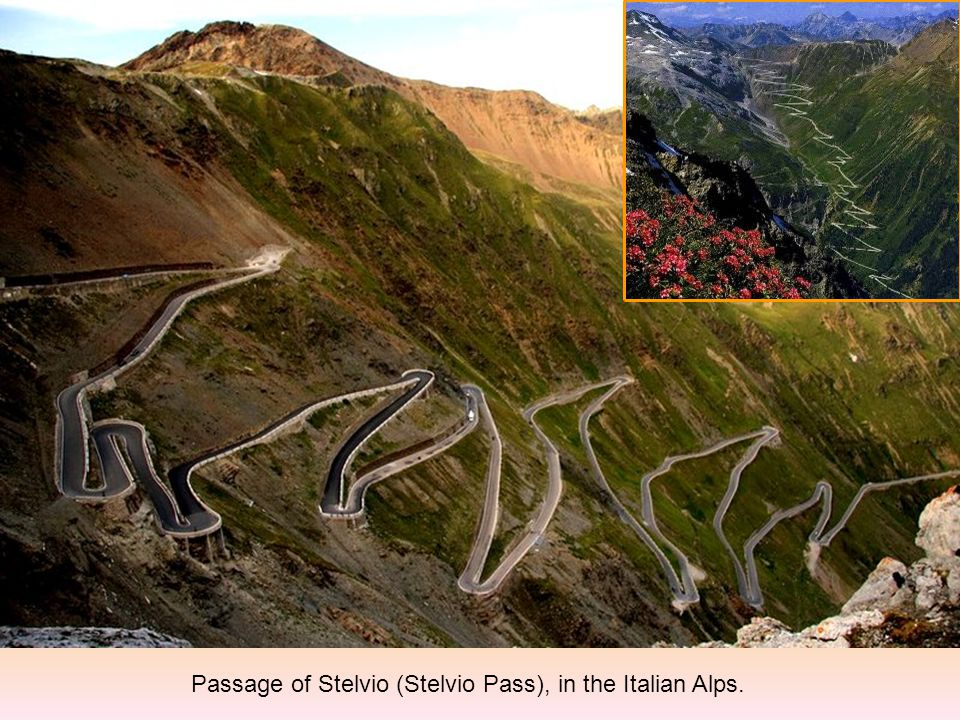 Passage of Stelvio (Stelvio Pass), in the Italian Alps.